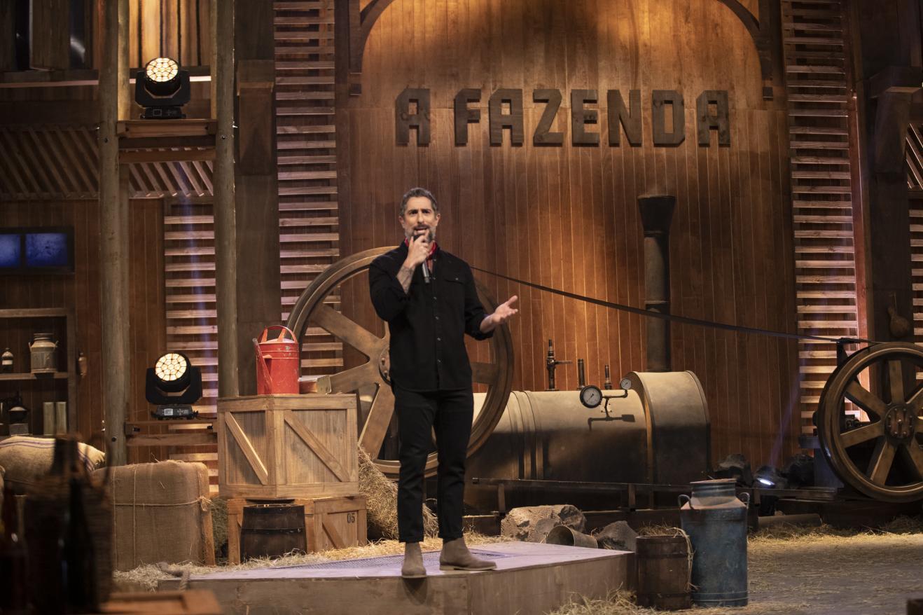 O apresentador Marcos Mion na estreia de A Fazenda 11, na Record. Confira quem são os 16 participantes do reality show em nova edição. (Foto: Edu Moraes/Record TV)