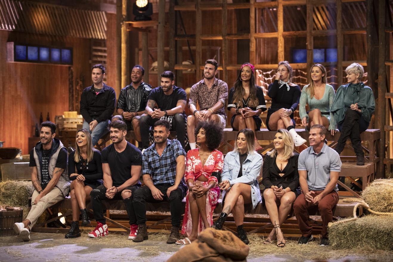 Elenco da décima primeira temporada do reality show A Fazenda, em exibição na Record. (Foto: Edu Moraes/Record TV)