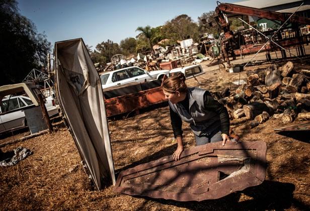 Moradores da Africa do Sul usam caixões para assustar ladrões