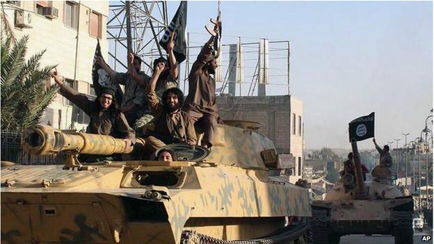 Estado Islâmico liberta 19 cristãos assírios após pagamento de resgate