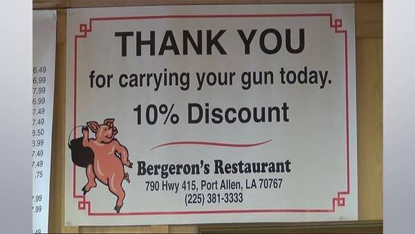 Restaurante nos Estados Unidos oferece desconto de 10% para clientes que possuam arma de fogo