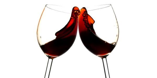 Vinho tinto pode prejudicar o feto, diz estudo