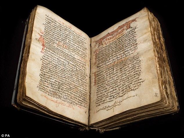 Especialistas querem recuperar texto oculto no Novo Testamento da Bíblia
