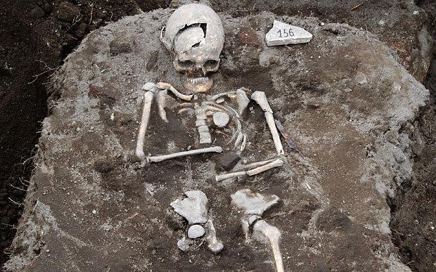 Arqueólogo descobre suposta sepultura de vampiro na Bulgária
