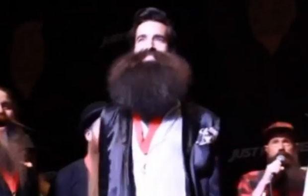 Americano vence campeonato de barba e bigode
