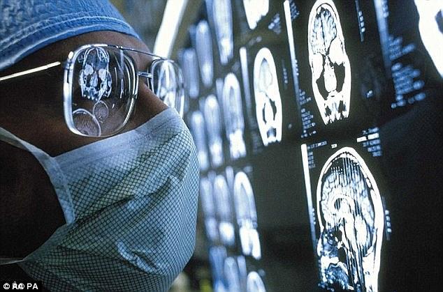Novo dispositivo de leitura mental poderá escutar pensamentos
