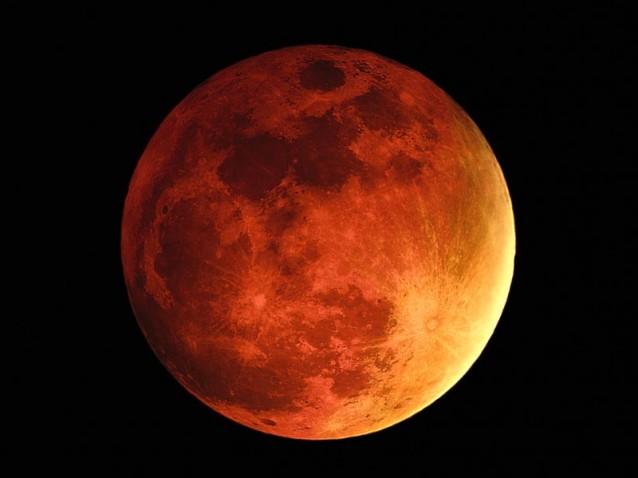 """""""Lua Sangrenta"""" aparece nesta quarta-feira (8)"""