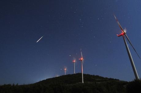 Chuva de meteoros será visível na noite desta segunda-feira (20)
