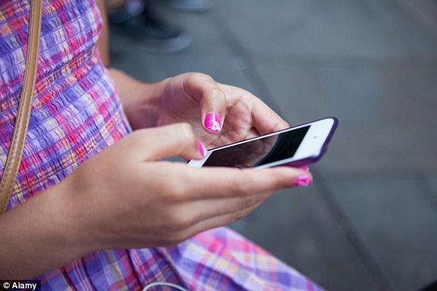 Aplicativos gratuitos estão sendo utilizados para espionar celulares
