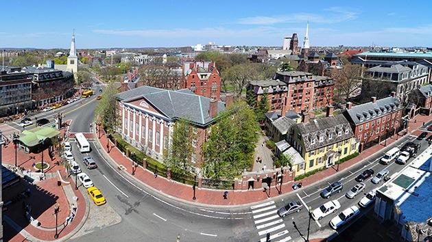 Harvard é criticada por realizar estudo secreto de vigilância