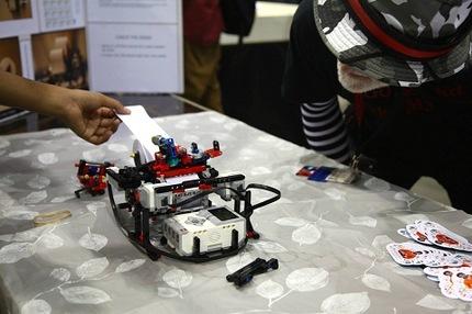 Intel investe em uma impressora construída com Lego por um garoto de 13 anos