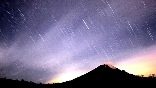 Chuva de meteoros Leônidas atinge seu pico nesta segunda-feira (17) e poderá ser visto a olho nu