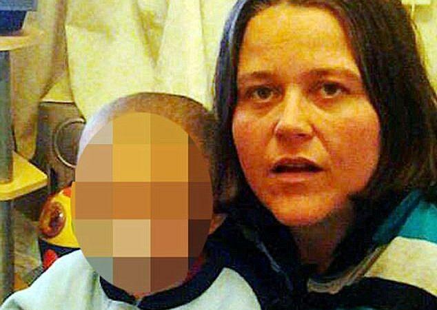 Ladra abandona funeral da avó para roubar a casa da própria mãe no Reino Unido