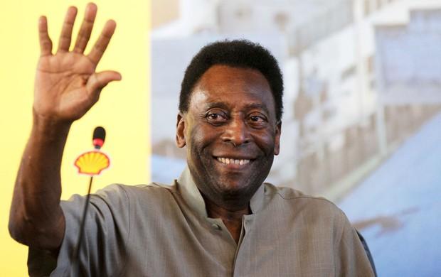 Pelé deve receber alta hospitalar neste sábado