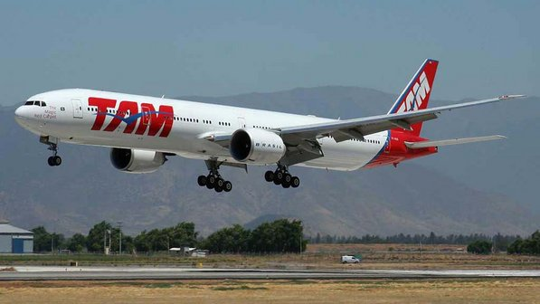 Após premonição de vidente, companhia aérea altera número de voo