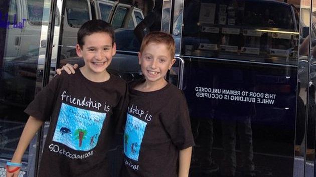 Garoto de 8 anos consegue arrecadar US$ 850 mil para ajudar seu amigo doente