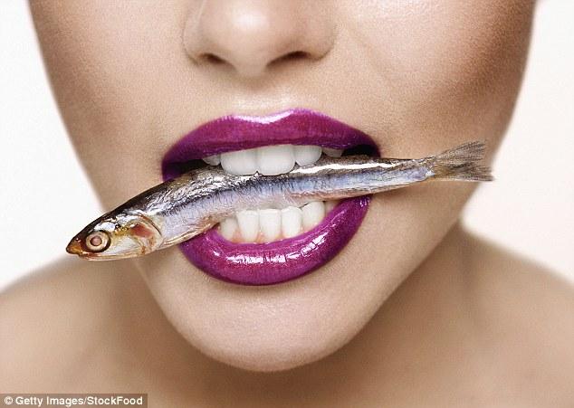 Pesquisa revela que óleo de peixe pode ajudar fumantes a largar o vício