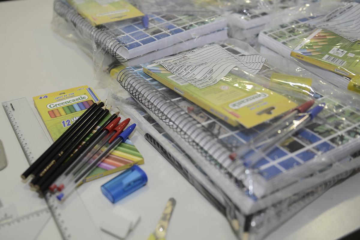 Governo do RN anuncia entrega de 75 mil kits e convocação de 400 professores para rede estadual