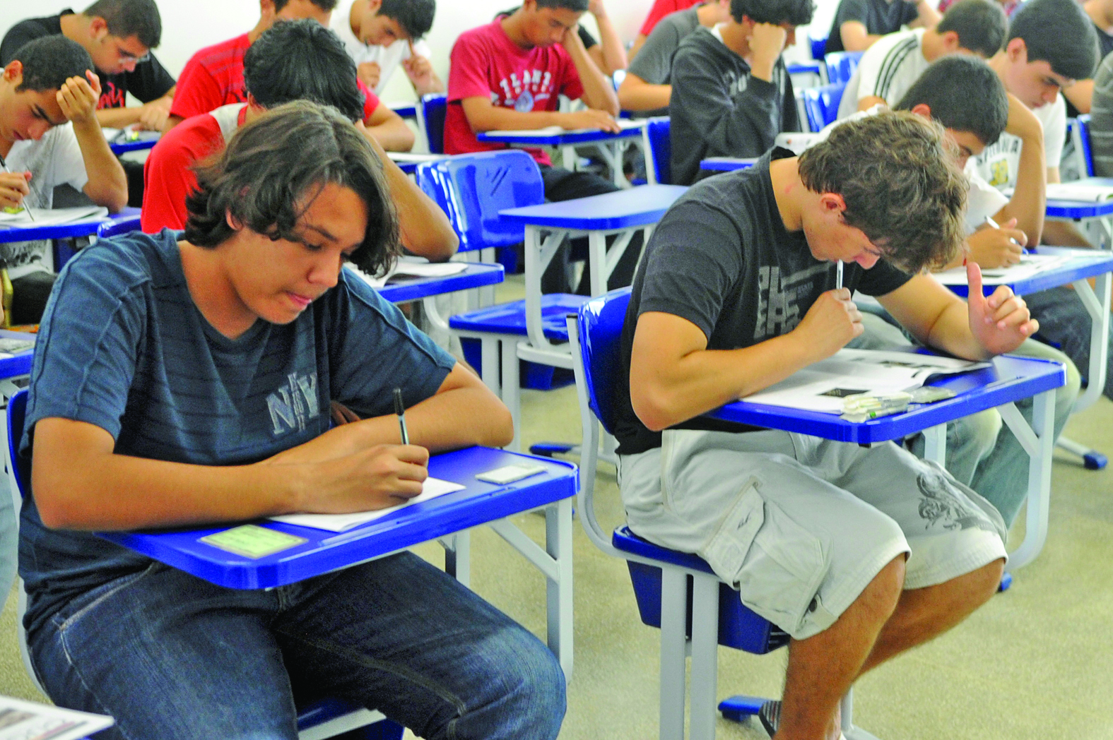 54,3% dos jovens concluíram o ensino médio até os 19 anos em 2013