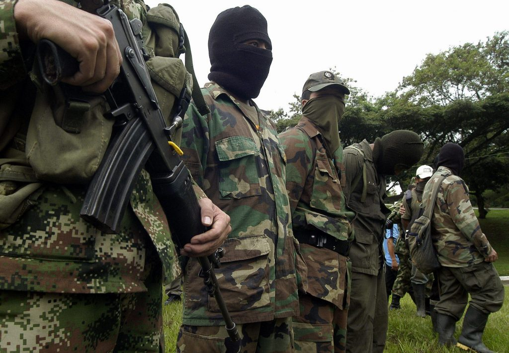 Colômbia: a horas do cessar-fogo das FARC, foi registrado oito mortos por guerrilheiros