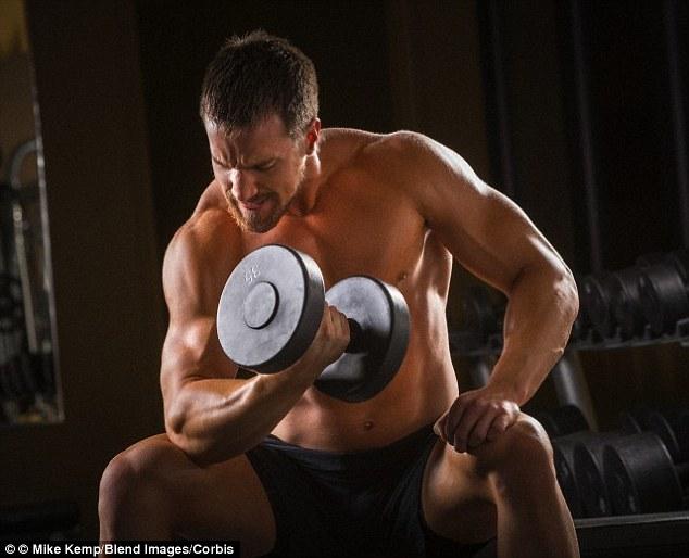 Musculação é mais eficaz para diminuir a gordura abdominal do que exercícios aeróbicos, revela estudo