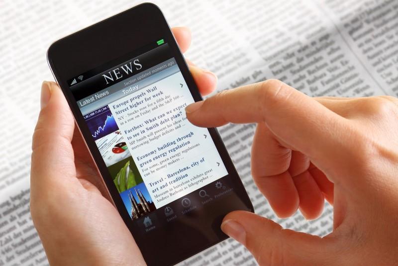 Internet pelo celular cresce entre estudantes e professores, diz pesquisa