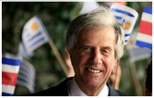 Tabaré Vázquez vence o segundo turno das eleições presidenciais no Uruguai