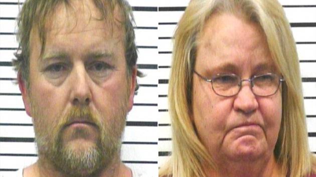 Casal é preso após forçar filha a ingerir refrigerante, causando sua morte