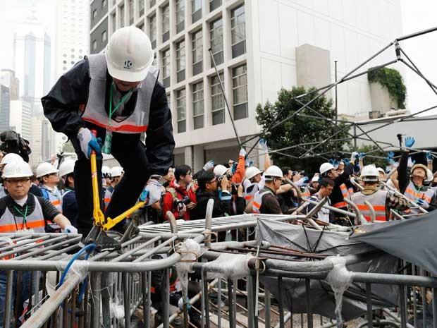 Começa a remoção de acampamentos e barricadas em Hong Kong