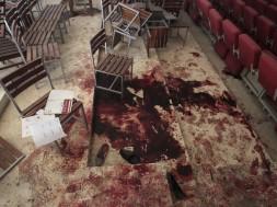 massacre em escola no Paquistão..