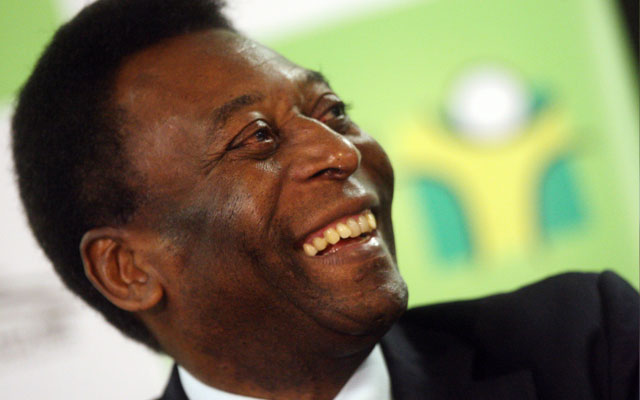 Pelé deixa UTI e vai para CTI do hospital Albert Einsten