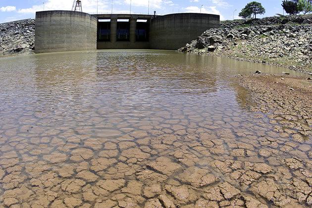 Com chuvas, nível do Cantareira fica estável em 7,3%