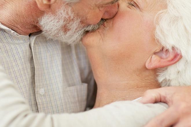 Mais de 50% dos homens acima dos 70 têm vida sexual ativa, revela pesquisa