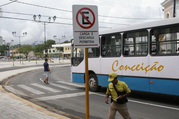 Em Natal, ônibus já circulam com alerta sobre o uso de fones de ouvido