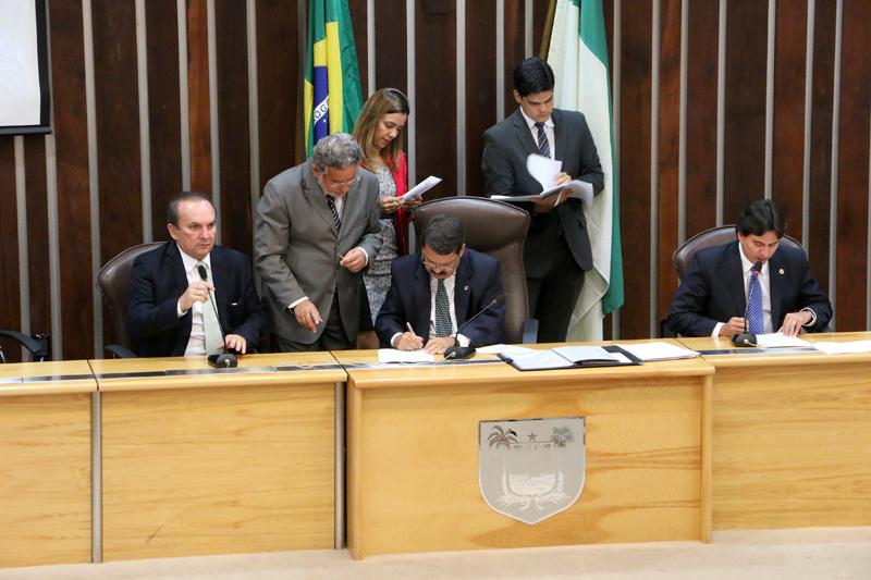 Proposta do Governo de investir R$ 850 milhões em infraestrutura é aprovada por unanimidade na Assembleia