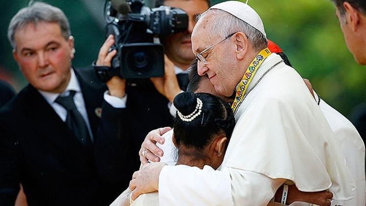 "Menina filipina comove o Papa: ""Por que Deus permite que as meninas se tornem prostitutas?"""