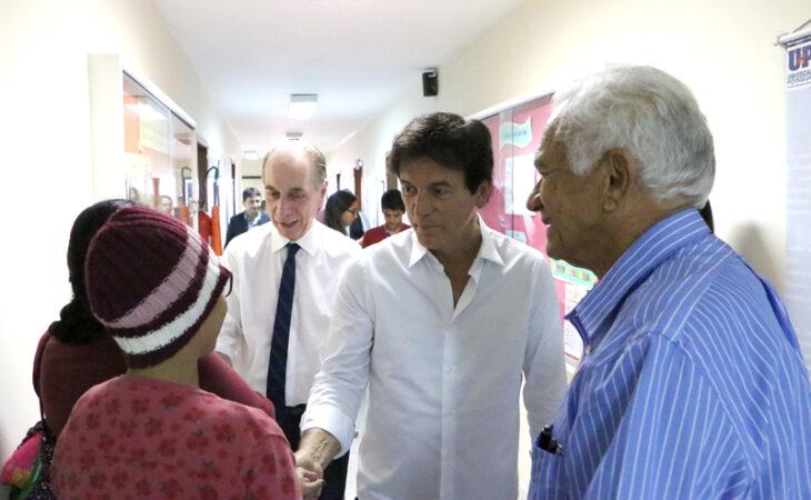 Hospital Walfredo Gurgel e Hospital Varela Santiago recebem a visita do Governador Robinson Faria