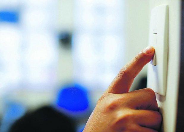 Aneel propõe redução de 18% no valor adicional cobrado nas contas de luz