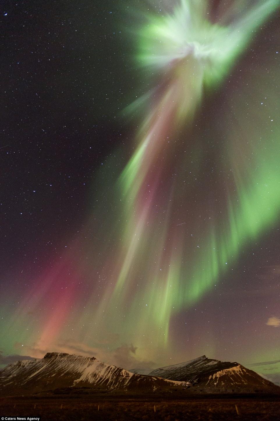 Imagem do Cristo Redentor aparece em aurora boreal na Islândia