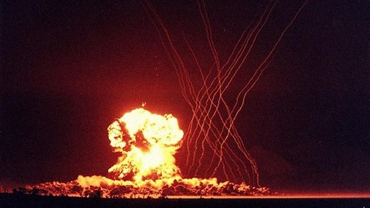 Desenvolvedor da bomba atômica se diz 'feliz' pelas explosões no Japão