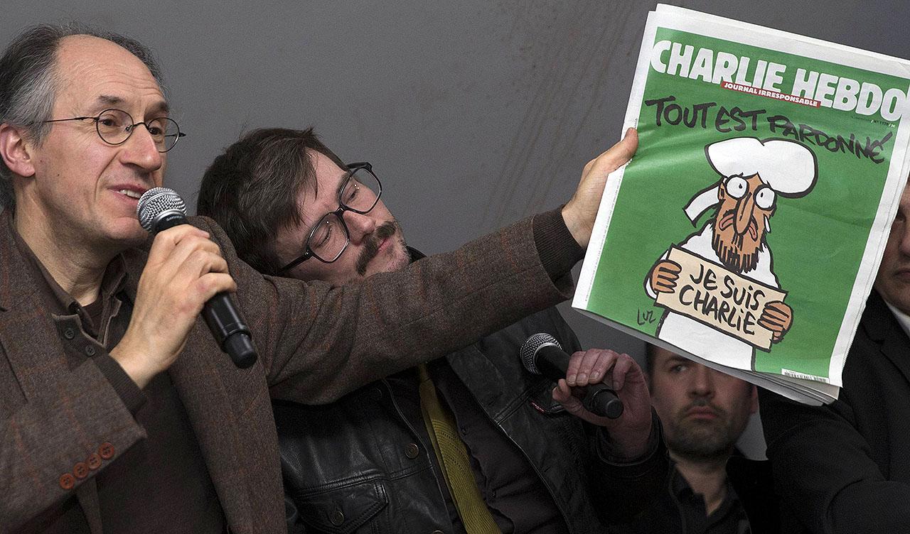 Charlie Hebdo esgota na chegada às bancas