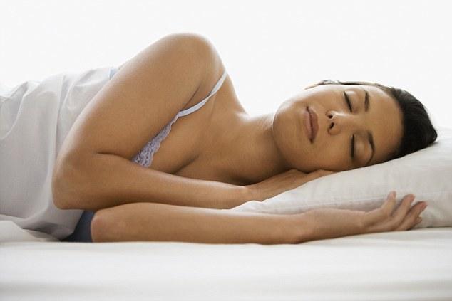 Dormir oito horas por dia pode melhorar o funcionamento mental a longo prazo, revela estudo