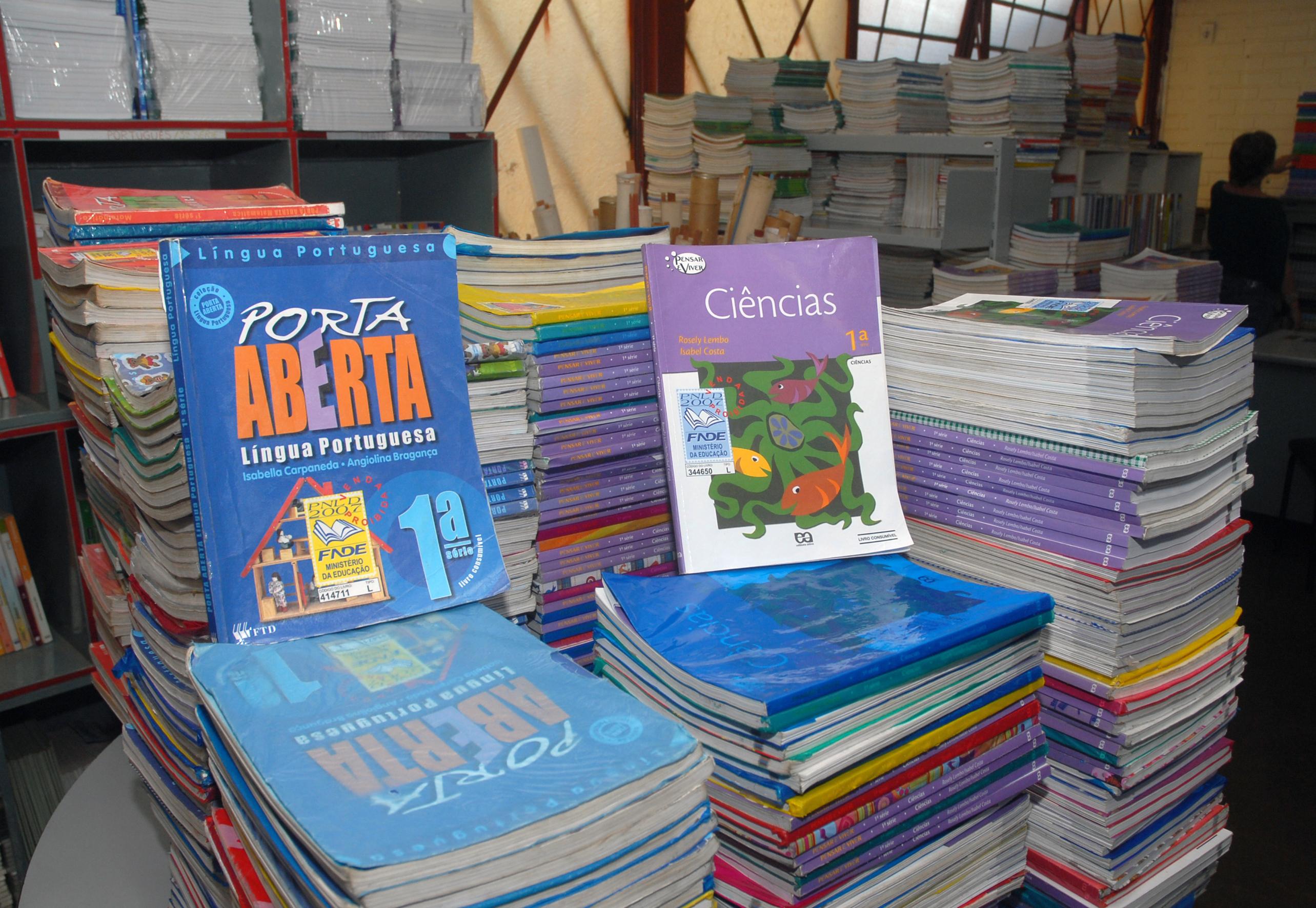 Itaú inicia distribuição de livros gratuitos do 'Leia Para uma Criança'