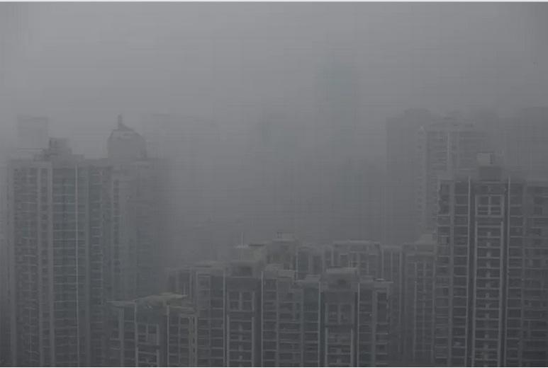 Cidade chinesa de Xangai fica coberta por camada de poluição