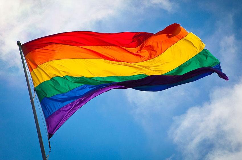 Criada comissão interministerial para combater violência contra população LGBT