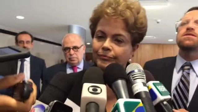 TSE abre investigação que pede cassação do mandato de Dilma Rousseff