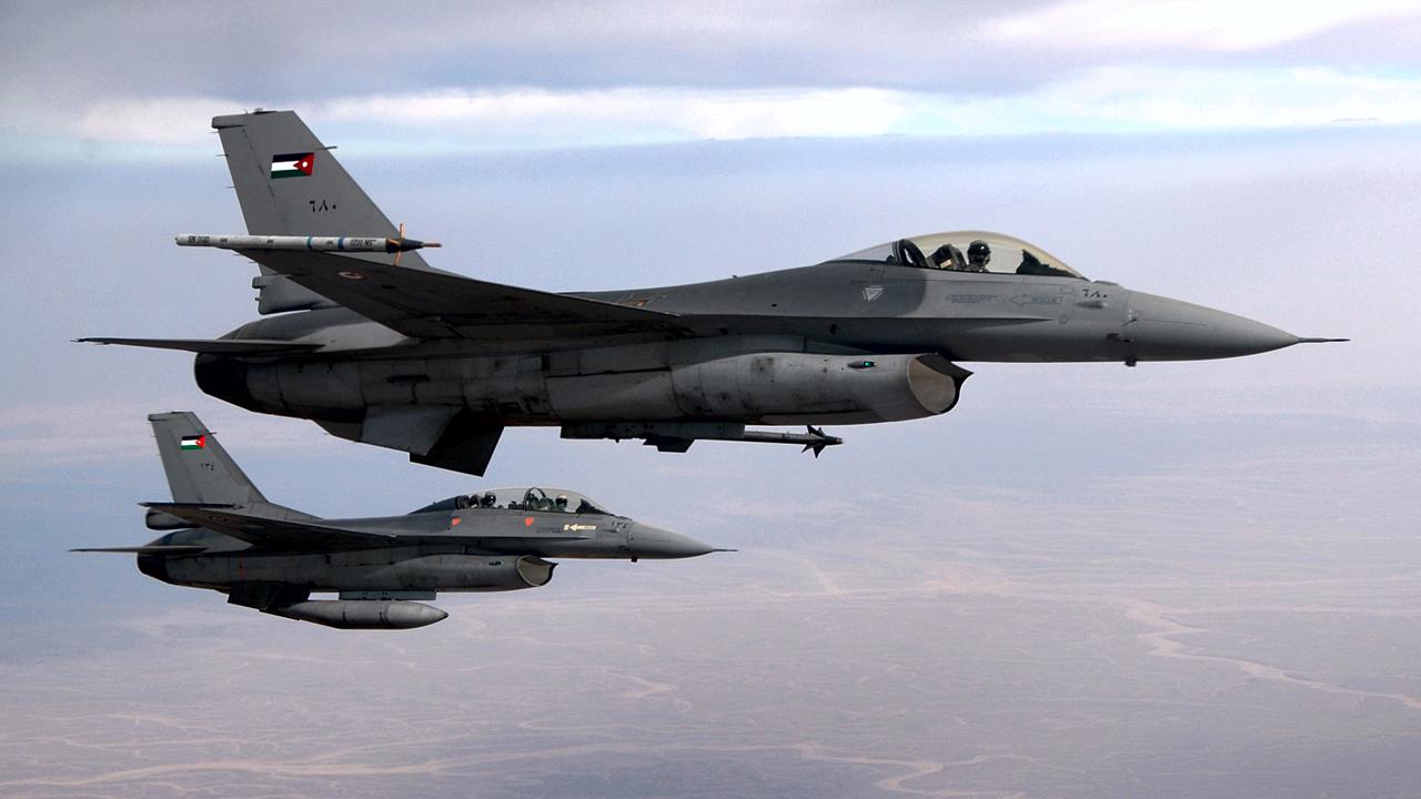 Jordânia anuncia ataque aéreo contra 'Estado Islâmico' após execução de piloto