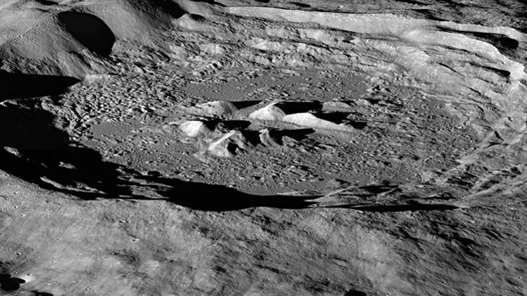 NASA descobre sinais da presença de água na Lua