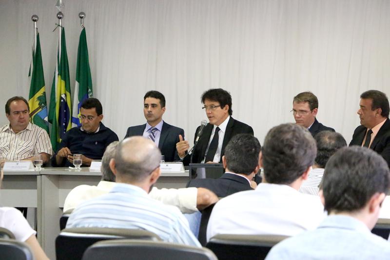 Governo do RN investe R$ 47 milhões no abastecimento de água e vai colocar mil poços em produção
