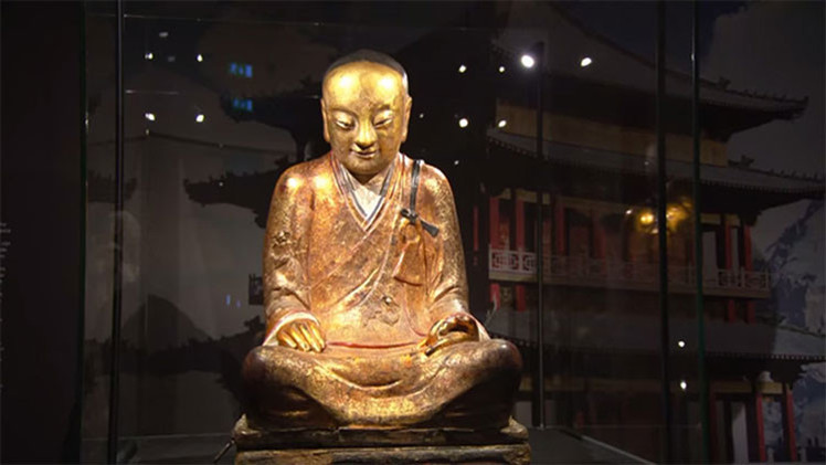 Múmia de mil anos é encontrada dentro de uma estátua de Buda